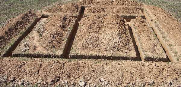Для дома без подвала копать меньше