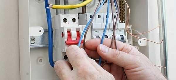 Трехфазный ввод нужен только тогда, когда требуется подключить мощное оборудование, работающее от сети 380 В