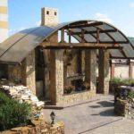 Редкая комбинация - с крышей из поликарбоната