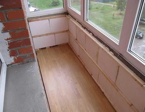 Утеплить балкон под вагонкой можно пенопластом