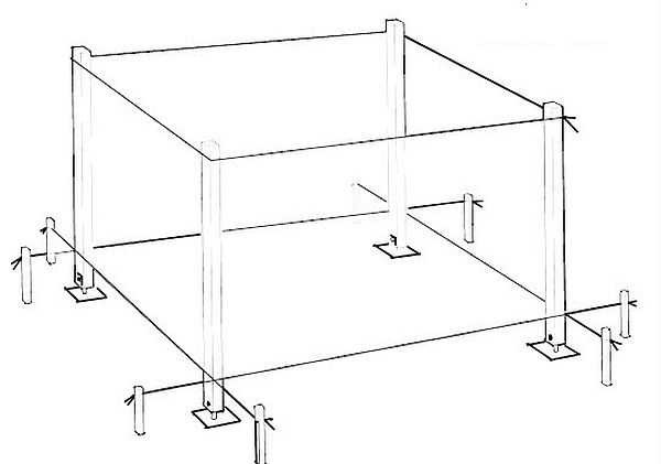 Разметка площадки и установка столбов