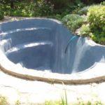 После высыхания штукатурки покрасили акриловой краской для бассейнов (5 литров ушло)