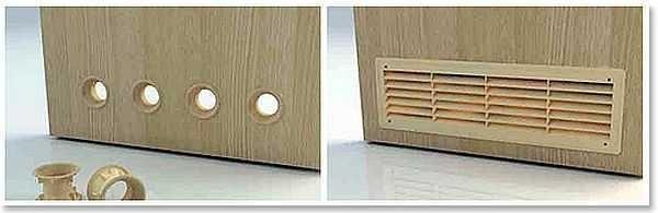 В дверях технических помещений - кухни, ванной, туалета - должны быть вентиляционные решетки или клапана. Клапана есть даже с шумопоглощением, а запах при правильной организации не попадет в другие помещения никогда