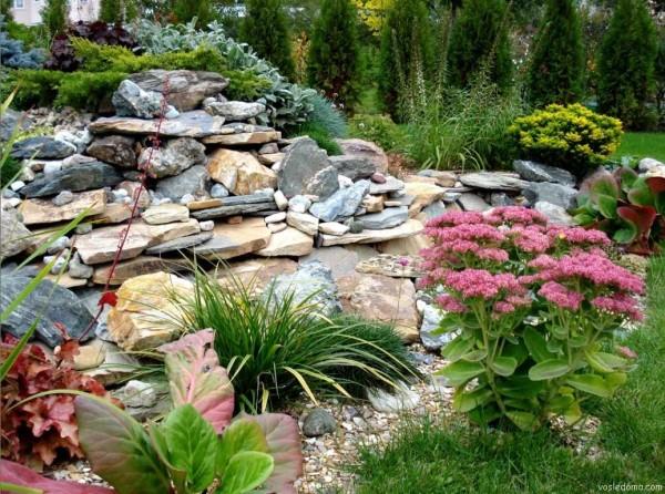 Каменистая горка - легко делать своими руками