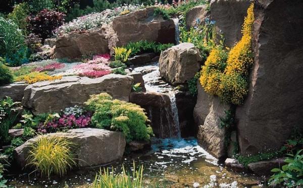 Камни, цветы, вода - красота...