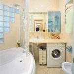 И еще один вариант дизайна для маленькой ванной комнаты