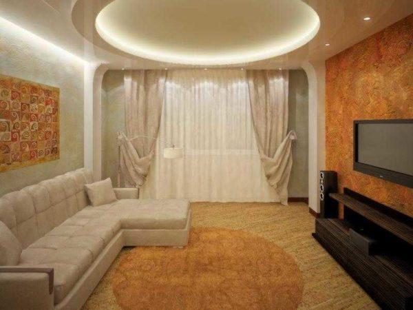 Фото зала в квартире с комбинированными обоями