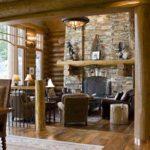 Деревянные колонны - стильный элемент дизайна загородного дома