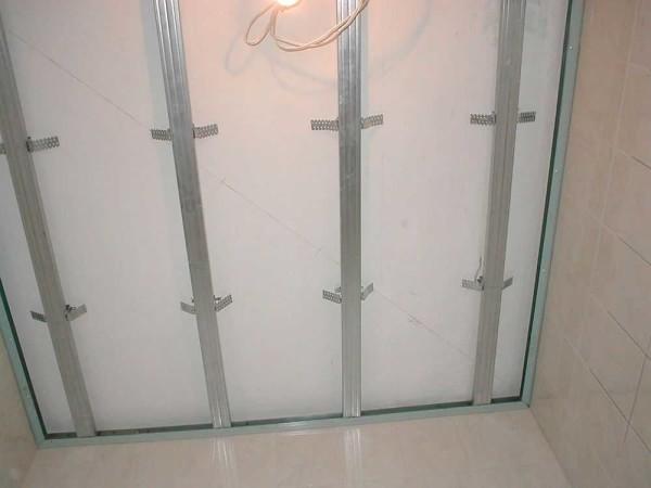 Готовый каркас под подвесной потолок из пластиковых панелей