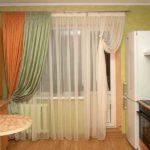 Классическая длинная двойная штора хороша, если места достаточно