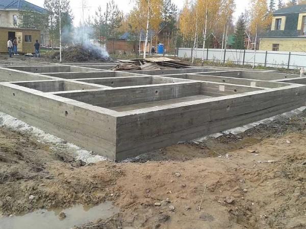 Фундамент под свой дом или дачу, любую другую постройку на частном дворе можно сделать саомстоятельно