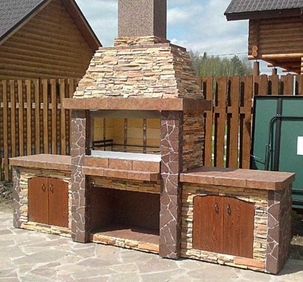 Эту печь-мангал можно построить своими руками