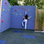 Скалодром для детей на заборе