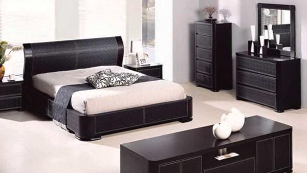 Спальня с элементами стиля хай-тек выглядит не такой холодной