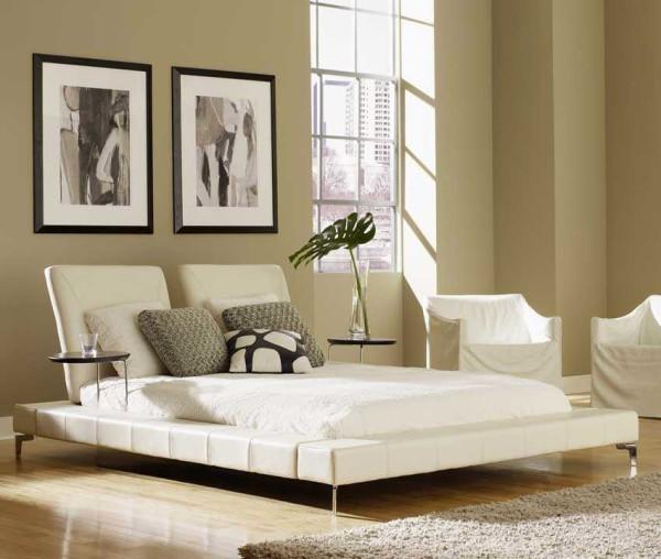 Необычная кровать - доминанта этого интерьера