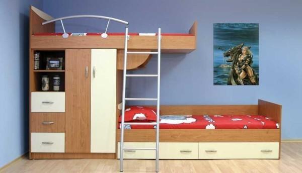 2х этажная кровать со смещенными спальными местами
