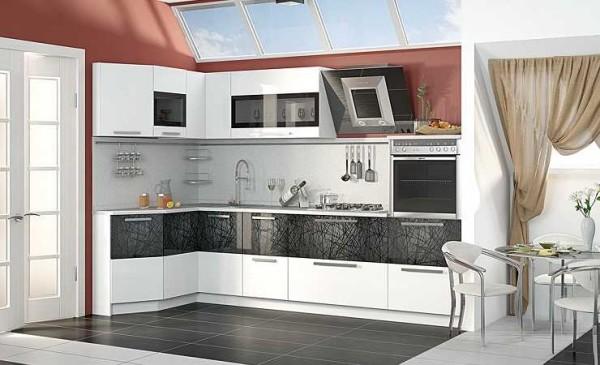 Боковые поверхности крайних шкафов лучше делать многогранными или скругленными