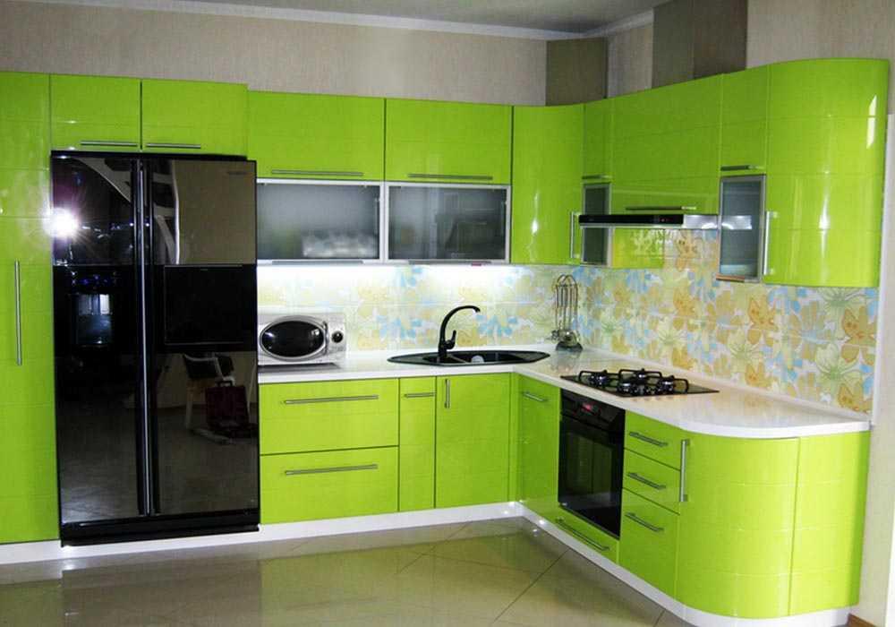 Дизайн с зеленой кухней