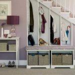 Шкаф под лестницей - отличный выход в маленькой прихожей