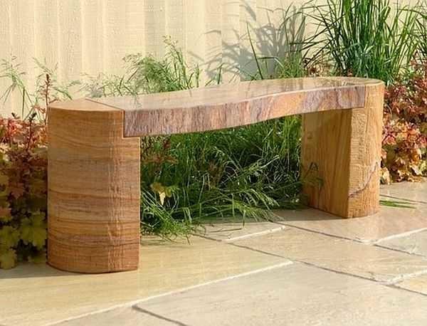 Вариант скамейки из бревен без спинки