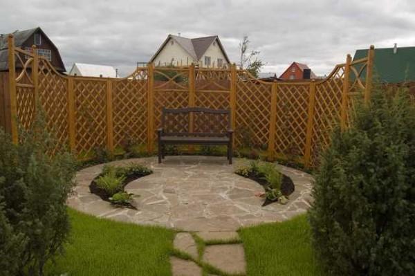 Четкая геометрия во всем - признак классического сада