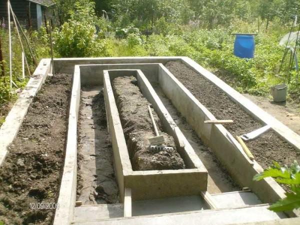 """Ограждения для грядок из бетона самые долговечные и никогда не """"поплывут"""""""