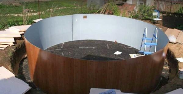 Собран внутренний каркас бассейна