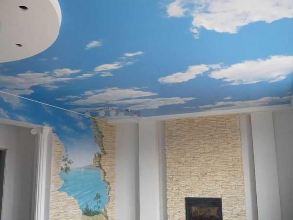 Тканевый натяжной потолок может быть с любым изображением