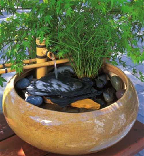 Еще один комнатный фонтан из бамбука в японском стиле