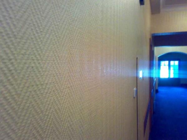 Один из рельефов на стене