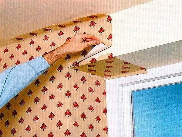 Один из способов оклейки откоса двери или окна