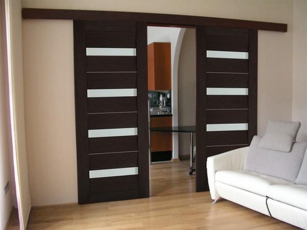 Навесить межкомнатные раздвижные двери можно самостоятельно
