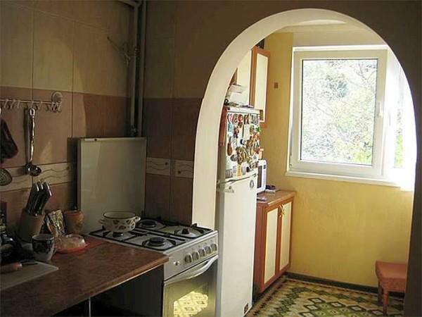 Вынести холодильник на балкон - интересное решение