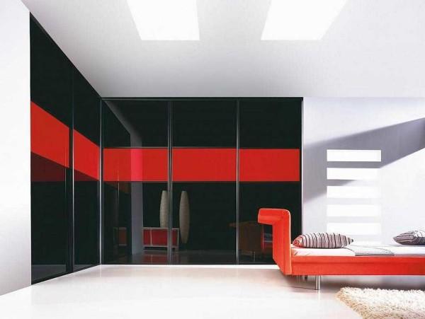 Яркие краски - как акценты и необычные формы мебели - характерные черты хай-тек в интерьере