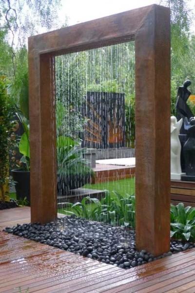 Декоративный садовый водопад - находка ландшафтного дизайна