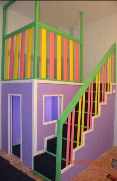 Готовый детский домик в квартире