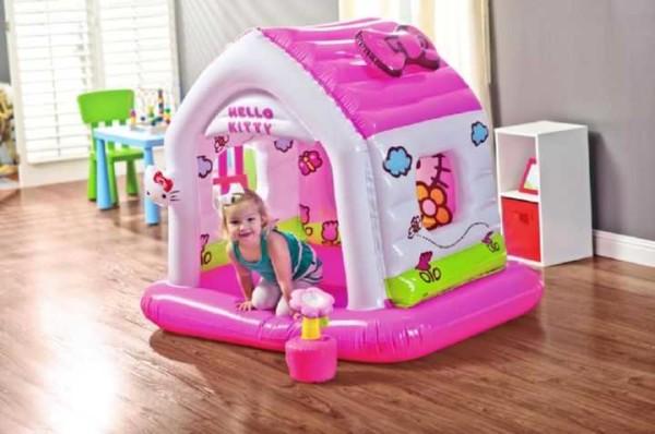 Надувной игровой домик - отличное решение для малышей