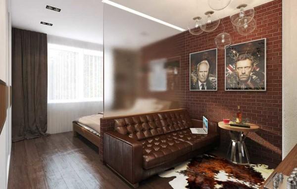 Полупрозрачная перегородка пропускает достаточное количество света и в то же время отделяет зону гостиной от спальни