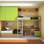 """Кровати """"встроены"""" в мебельную стенку"""