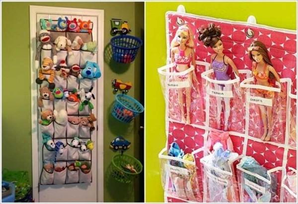 В кармашках на стене удобно размещать и кукол и мягкие игрушки