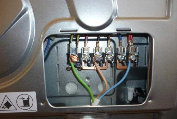 Подключение кабеля к электроплите