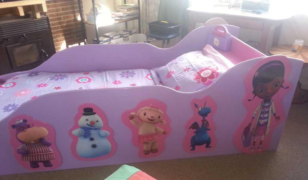 Красивая кровать для девочки своими руками