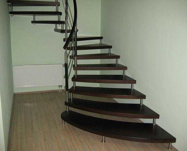 Лестницы на больцах - очень интересно выглядят