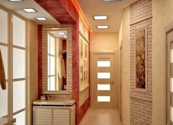 Сочетание обоев и декоративного камня в коридоре 17