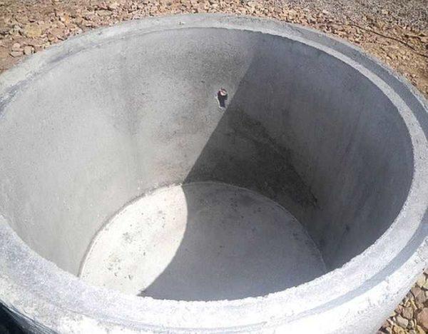 Кольцо с дном - удобно при устройстве погреба