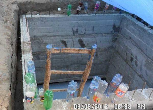 Стенки погреба опустились на требуемую глубину