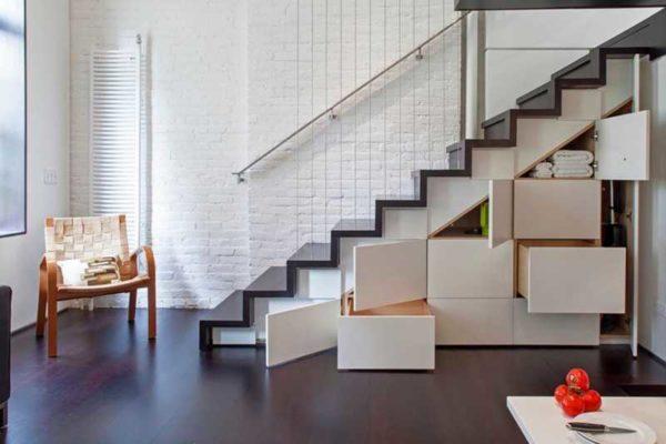 Лестница на второй этаж своими руками  пошаговая инструкция!
