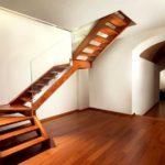 Необычный дизайн межэтажной лестницы