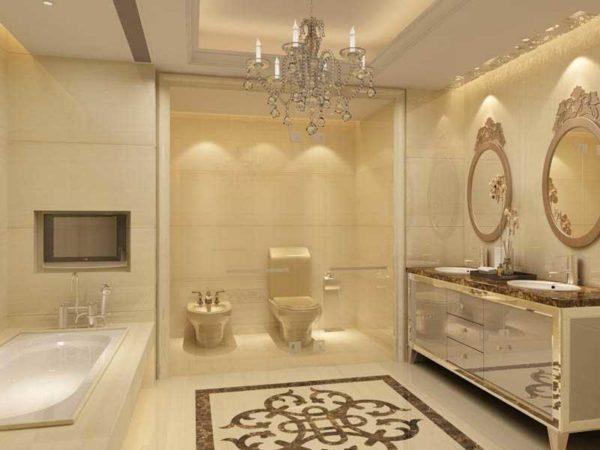 Шикарный интерьер ванной с использованием полированного керамогранита