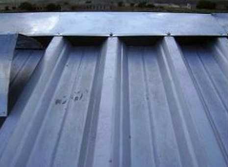 Крепление конька к профлисту на крыше гаража